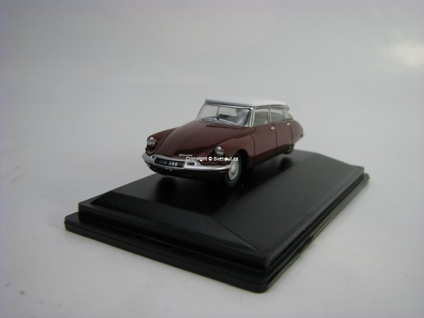 Citroen DS 19 Regal Red/White 1:76 Oxford