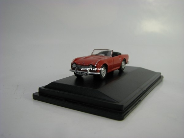 Triumph TR4 Signal Red 1:76 Oxford