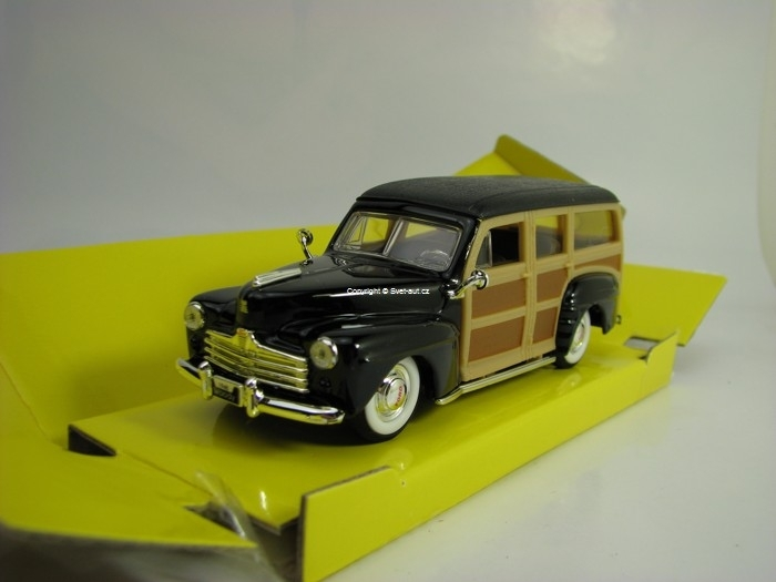 Ford Woody Station vagon 1948 Black 1:43 Lucky Die Cast