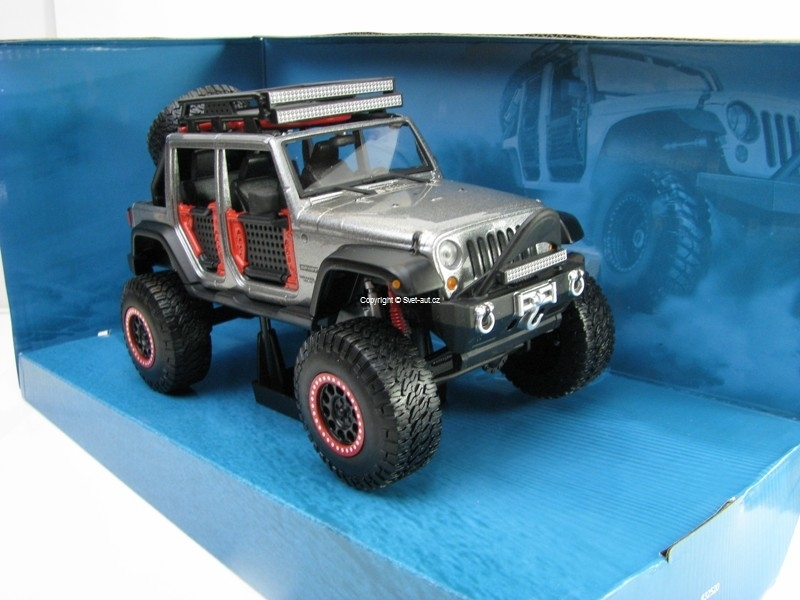 Jeep Wrangler Unlimited 2015 Grey 1:24 Maisto Off-Road
