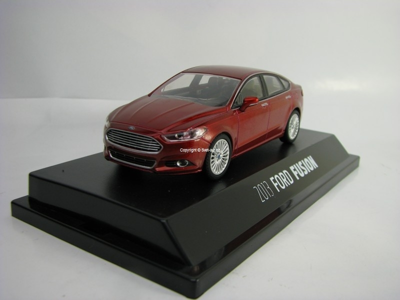 Ford Fusion 2013 purple 1:43 Greenlight