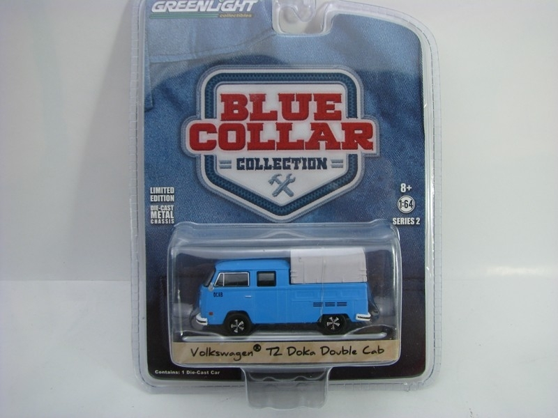 Volkswagen T2 Doka Double Cab 1:64 Blue Collar Greenlight