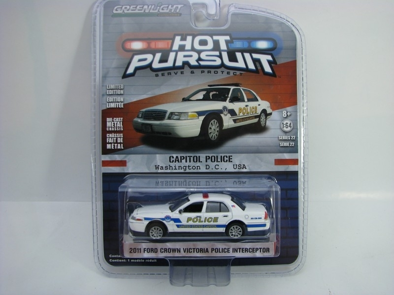 Ford Crown Victoria Capitol Police 2011 1:64 Hot Pursuit série 22 Greenlight