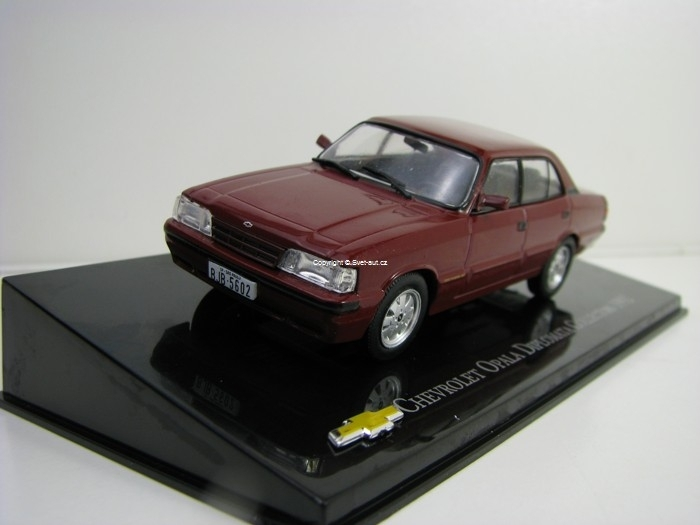 Chevrolet Opala Diplomata Collectors 1992 Purple 1:43 Ixo Altaya