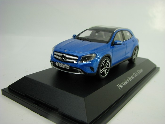 Mercedes-Benz GLA-Klasse Blue Metallic 1:43 Schuco