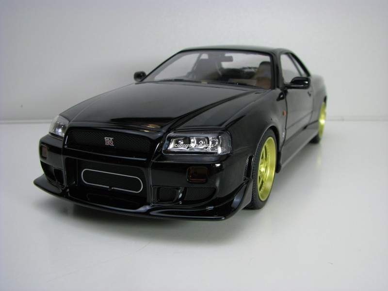 Nissan Skyline GT-R R-34 1999 Black 1:18 Greenlight
