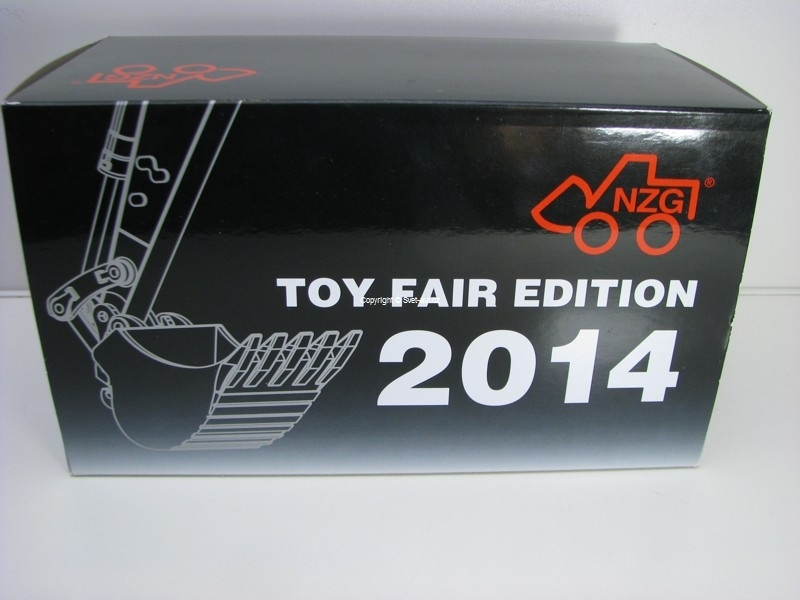 Pásový bagr Liebher R 916 Toy Fair Edition 2014 1:50 NZG