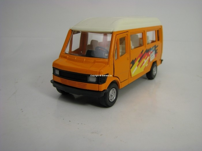 Mercedes Microbus Road Monster Pre-Cararama