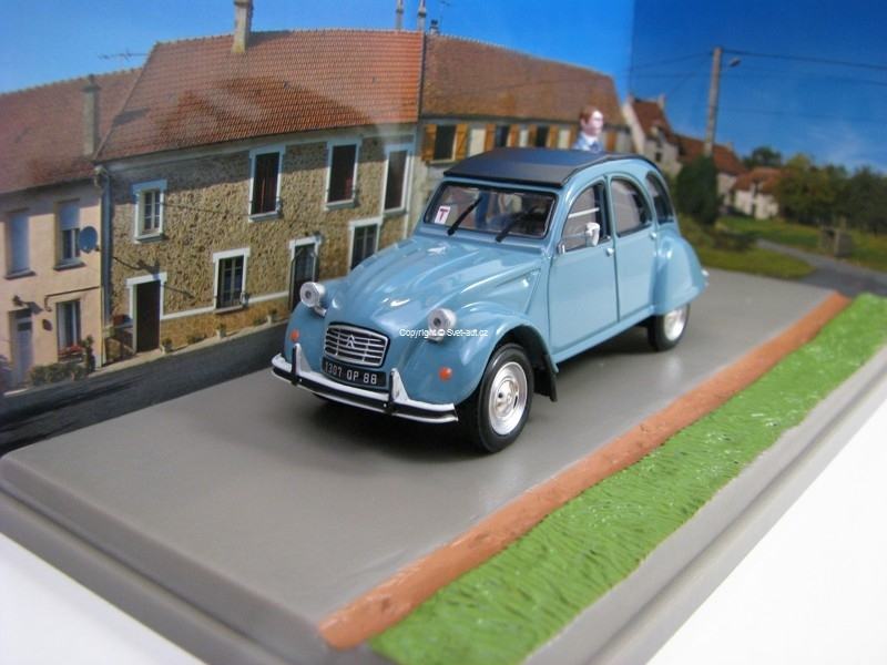 Citroen 2CV 6Medecin 1:43 Atlas Edition