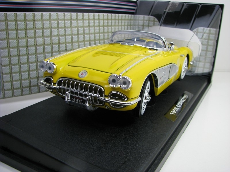 Chevrolet Corvette 1958 Yellow 1:18 Motor Max