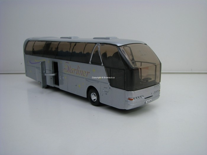 Autobus Neoplan Starliner stříbrný Pull Back 1:64 Welly