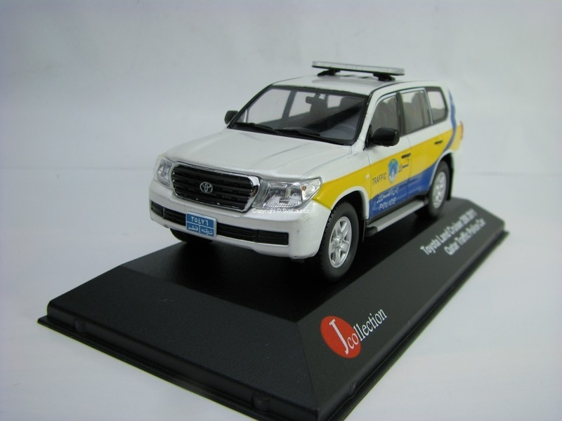 Toyota Land Cruiser 200 2011 Qatar Traffic Police car 1:43 J-collection