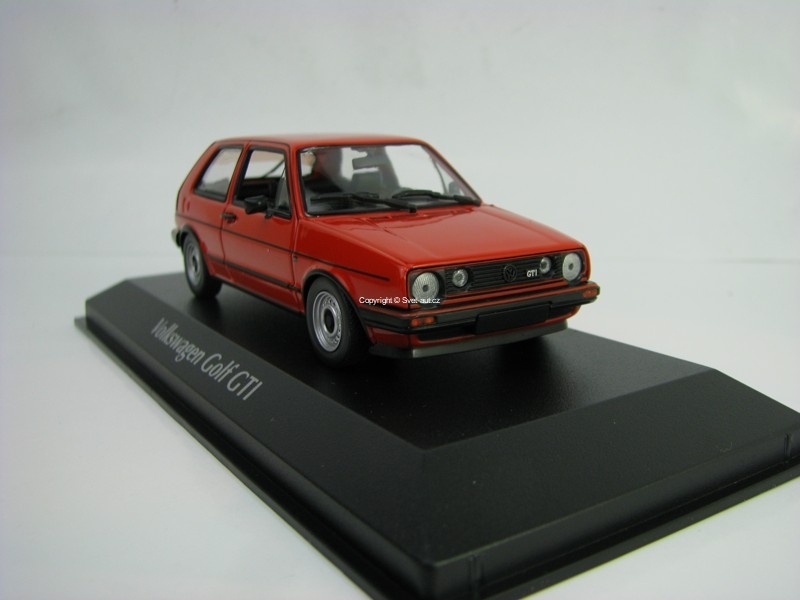 Volkswagen Golf GTI 1985 Red 1:43 Maxichamps