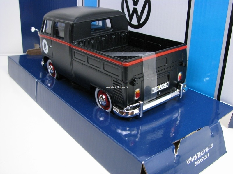 Volkswagen Type 2 T1 Double Cab Pick Up Black No.8 1:24 Motor Ma