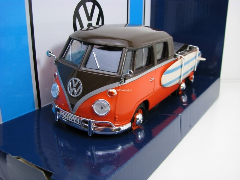 Volkswagen Type 2 T1 Double Cab Pick Up + surf 1:24 Motor Max