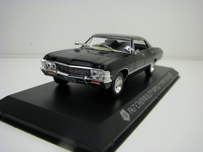 Chevrolet Impala Sport sedan 1967 Supernatural Join the Hunt 1:43 Greenlight