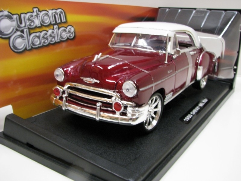 Chevrolet Bel Air Deluxe 1950 Purple Custom Classics 1:18 Motor Max