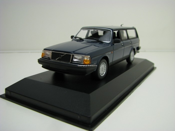 Volvo 240 GL Break 1986 Dark Blue 1:43 Maxichamps
