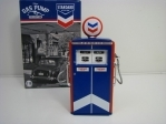 Gas Pump Standard station 1:18 Greeenlight