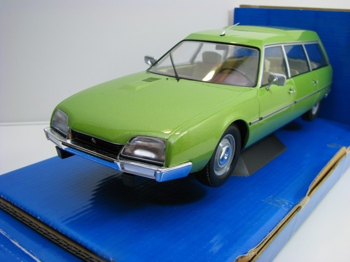 Citroen CX 2400 Super Break serie I 1976 Green 1:18 MCG Modelcar Group