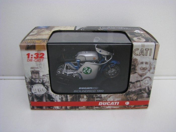 Ducati 250 Bicilindrico 1960 1:32 New Ray