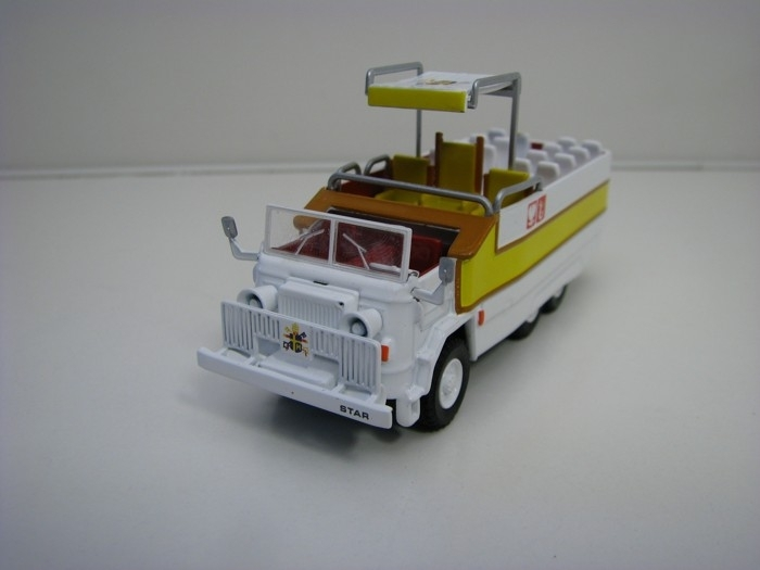 Star 660 Papamobile 1:72 Atlas Edition