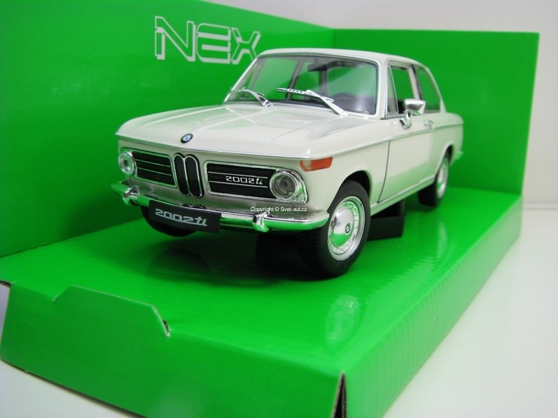 BMW 2002ti White 1:24 Welly