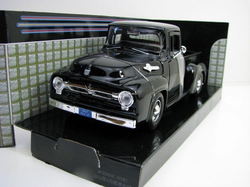 Ford F-100 Pick Up 1956 Black 1:24 Motor Max