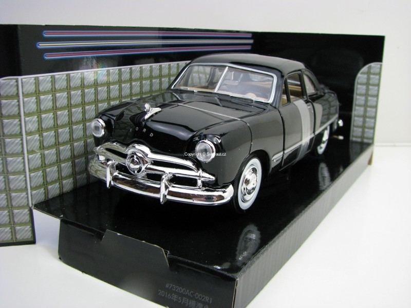 Ford Coupe 1949 Black 1:24 Motor Max