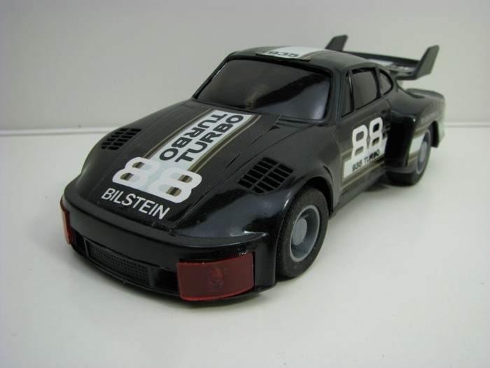 Porsche 935 Turbo Black na setrvačník made in China