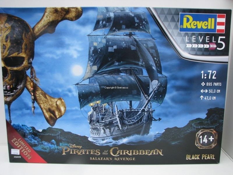 Plachetnice Black Pearl Pirates of the Caribbean stavebnice 1:72 Revell 05699