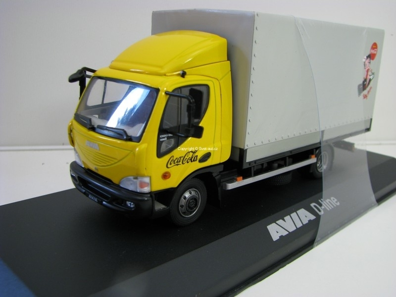 Avia D-Line Pick Up s plachtou Coca Cola Yellow 1:43 Foxtoys
