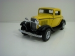 Ford 3-Window Coupé 1932 Yellow Pull back 1:34 Kinsmart