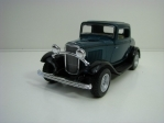 Ford 3-Window Coupé 1932 Green Pull back 1:34 Kinsmart
