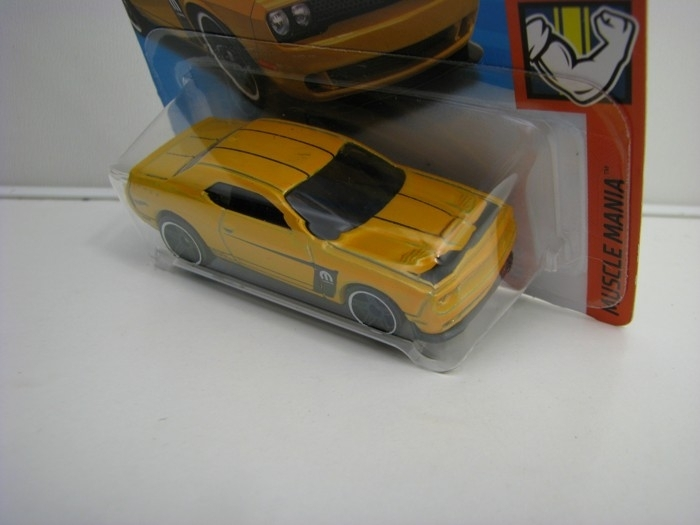 Dodge Challenger SRT Yellow Yellow Hot Wheels Muscle Mania-2018-