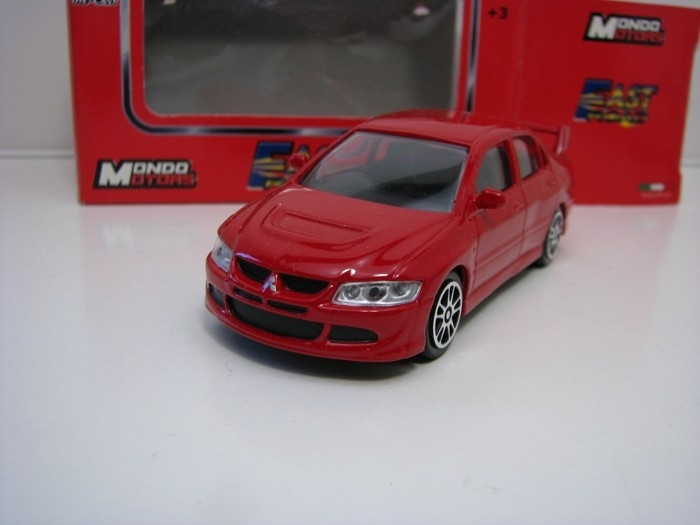 Mitsubishi Lancer Evolution VIII Red 1:43 Mondo Motors