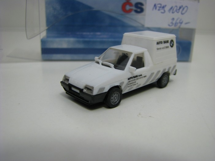 Plastikový model Škoda Favorit Pick Up Auto Base 1:87 ČStrain