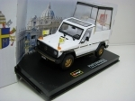 Mercedes-Benz 230 GE Papamobile 1:43 Bburago
