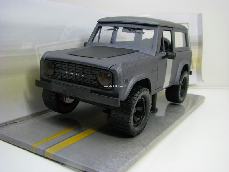 Ford Bronco Hard Top 1973 Matto Grey 1:24 Just Trucks Jada Toys