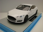 Tesla Model S White 1:18 LS Collectibles