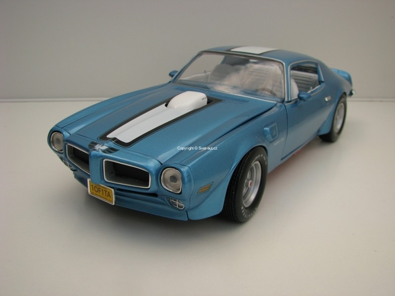 Pontiac Firebird Trans Am 1972  Blue Metallic American Muscle 1:18 Ertl Auto World