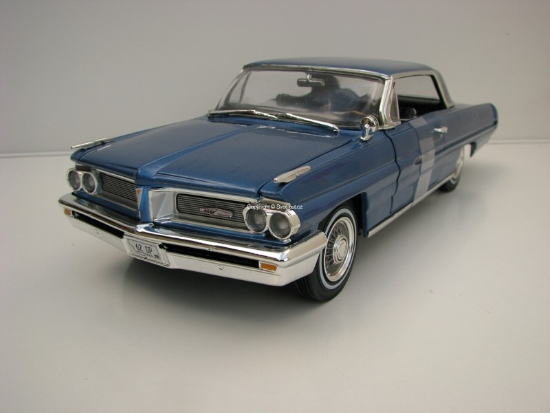 Pontiac Grand Prix 1962 Blue Metallic American Muscle 1:18 Ertl Auto World
