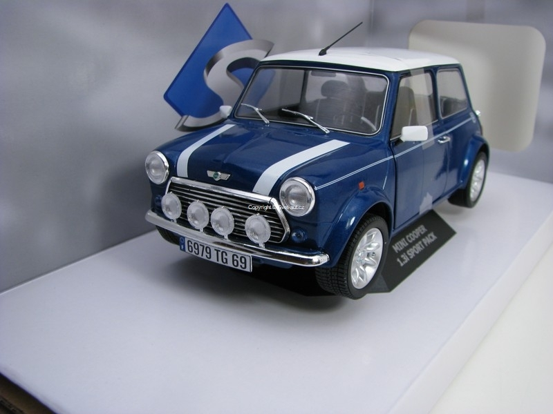 Mini Cooper 1.3i Sport Pack 1997 Tahiti Blue 1:18 Solido