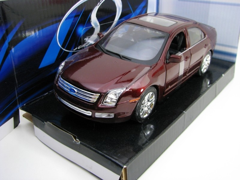 Ford Fusion Purple 1:24 Maisto
