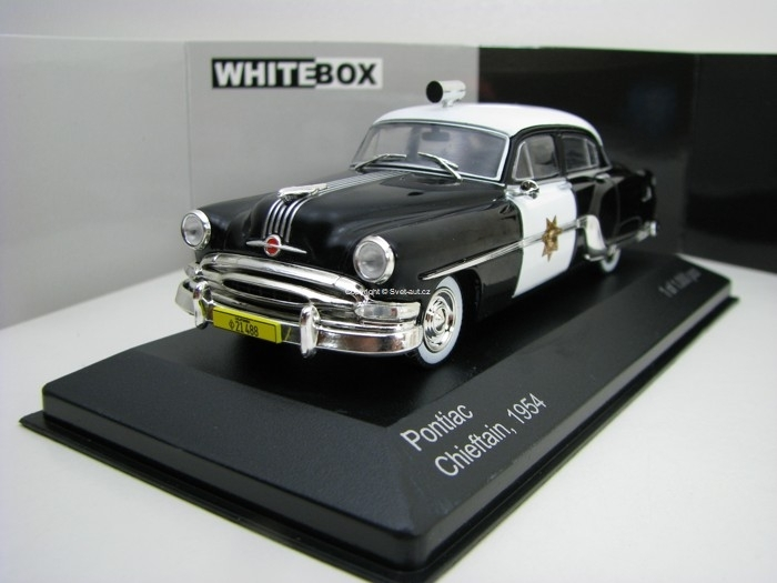 Pontiac Chieftain 1954 California Highway 1:43 White Box WB189