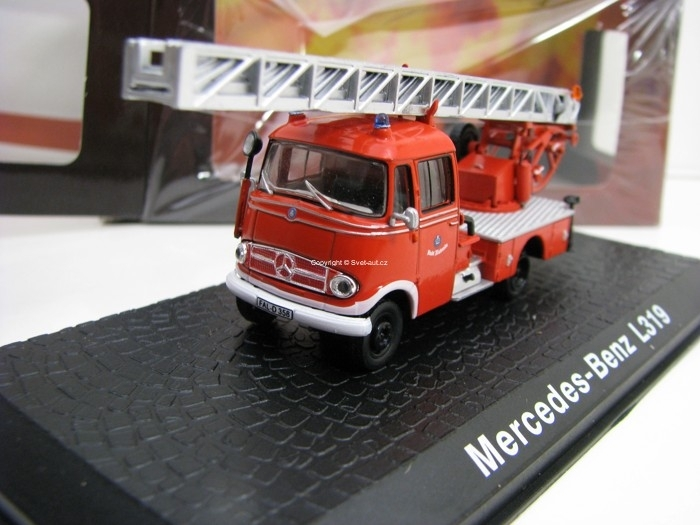 Mercedes-Benz L319 Hasiči 1:72 Atlas