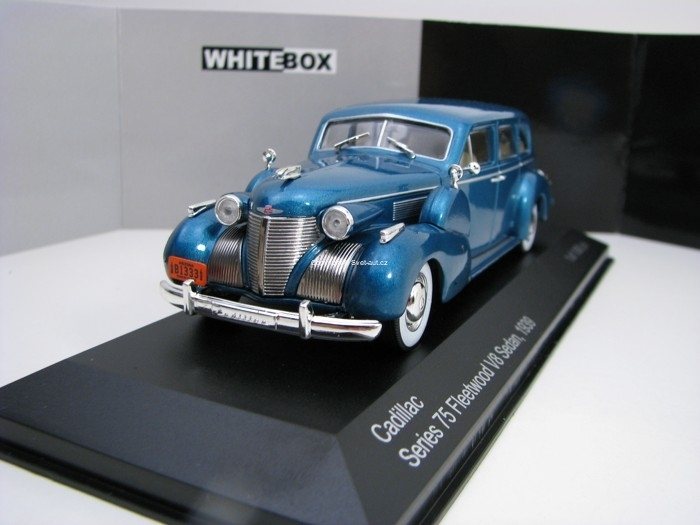 Cadillac Series 75 Fleetwood V8 sedan 1939 Blue 1:43 White Box WB153