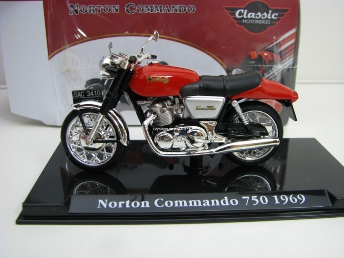 Norton Commando 750 1969 1:24 Atlas Edition