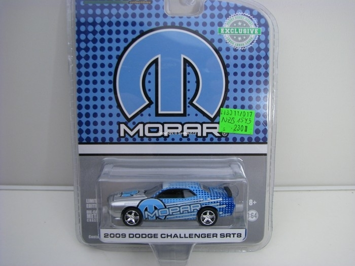 Dodge Challenger SRT8 2009 MOPAR Hobby Exlusive 1:64 Greenlight 29962