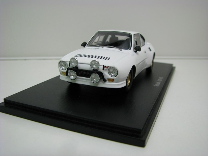 Škoda 130 RS Plain body White 1:43 FOX18